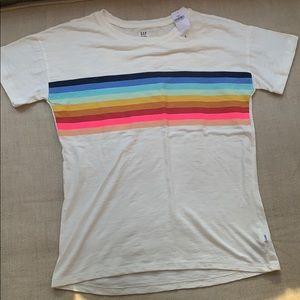 Gap t-shirt with rainbow stripes//NEVER WORN